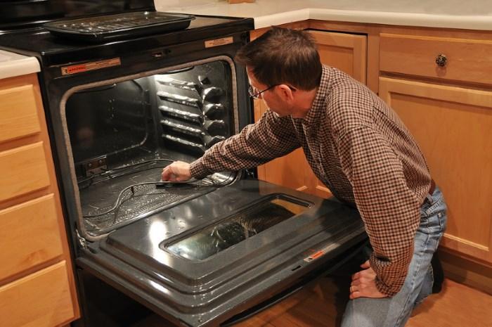 Что такое каталитическая очистка духового шкафа