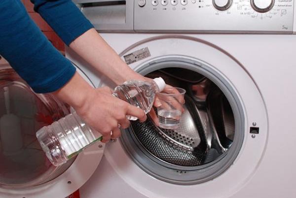 Чем убрать запах из стиральной машины автомат