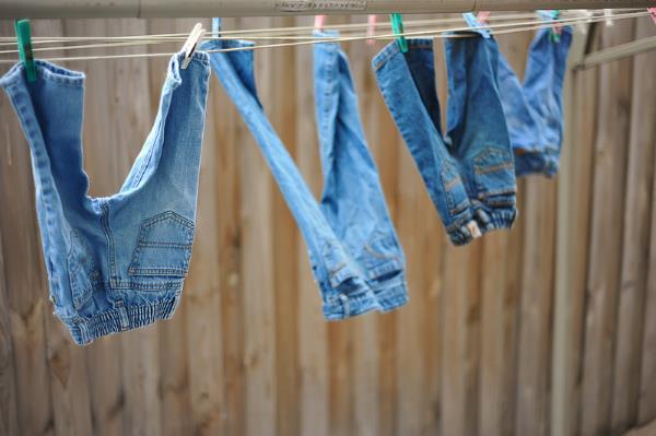 Погладить одежду без утюга