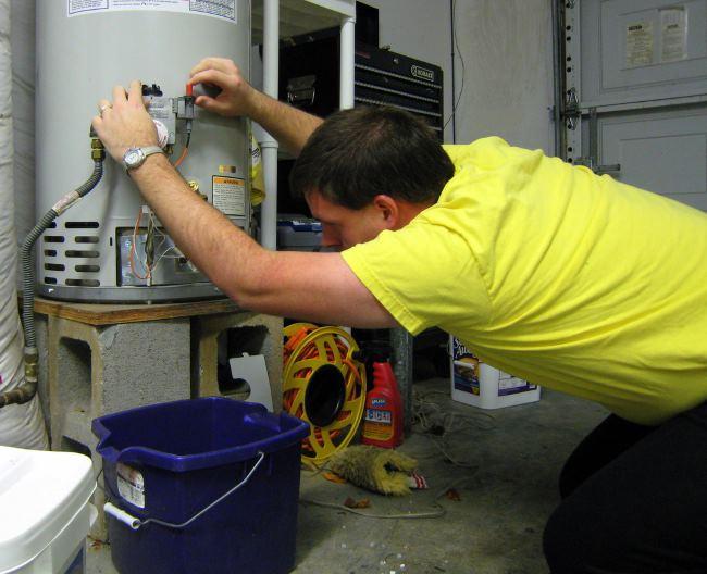 как правильно слить воду из водонагревателя