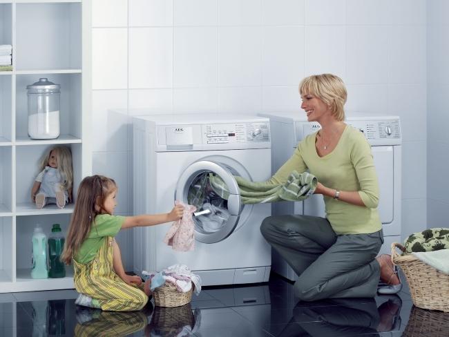 почему стиральная машина бьется током